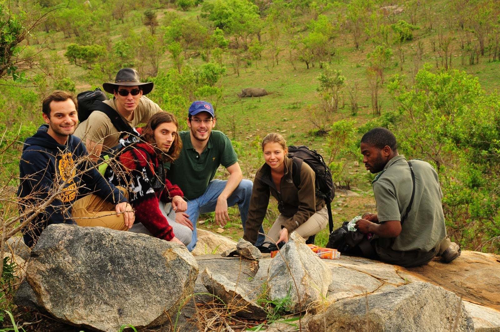 Petit déjeuner avec vue sur les rhinos au Kruger Park, Afrique du Sud