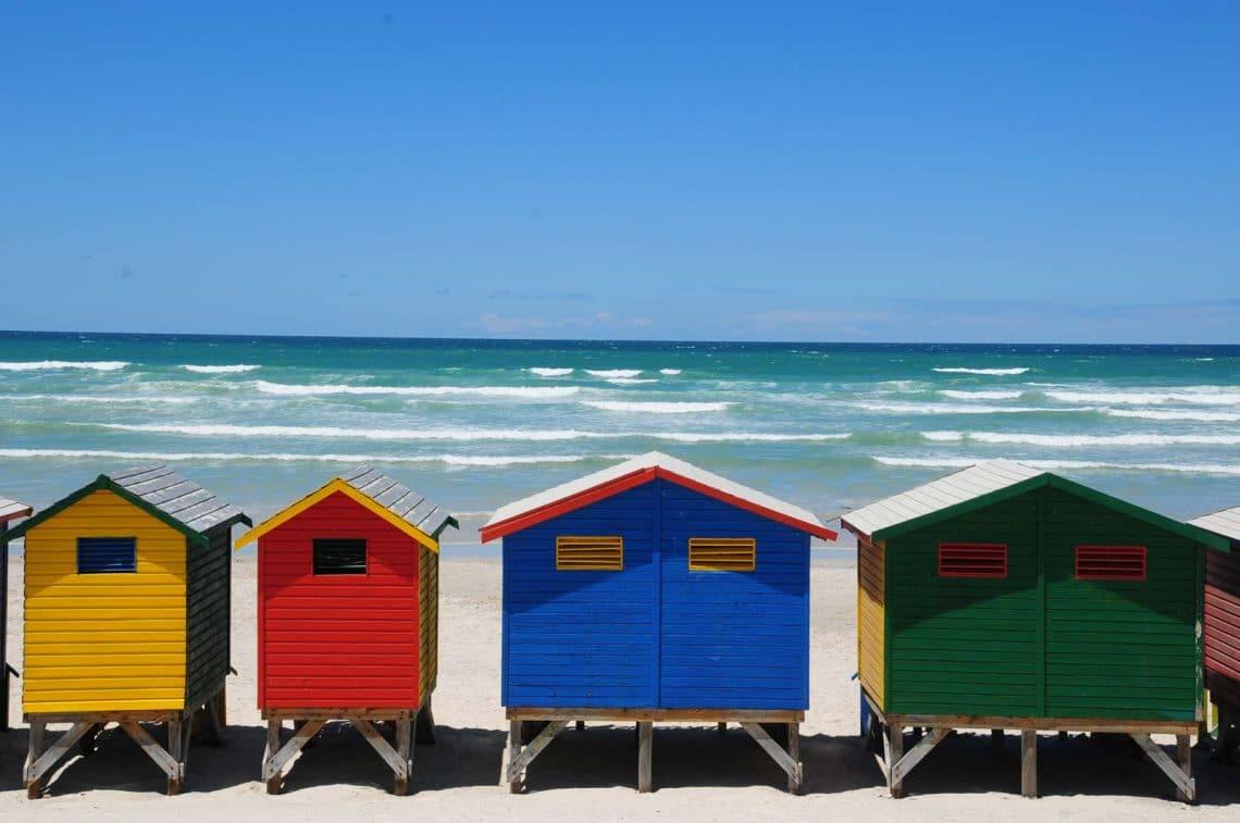 Cabanes face à la mer