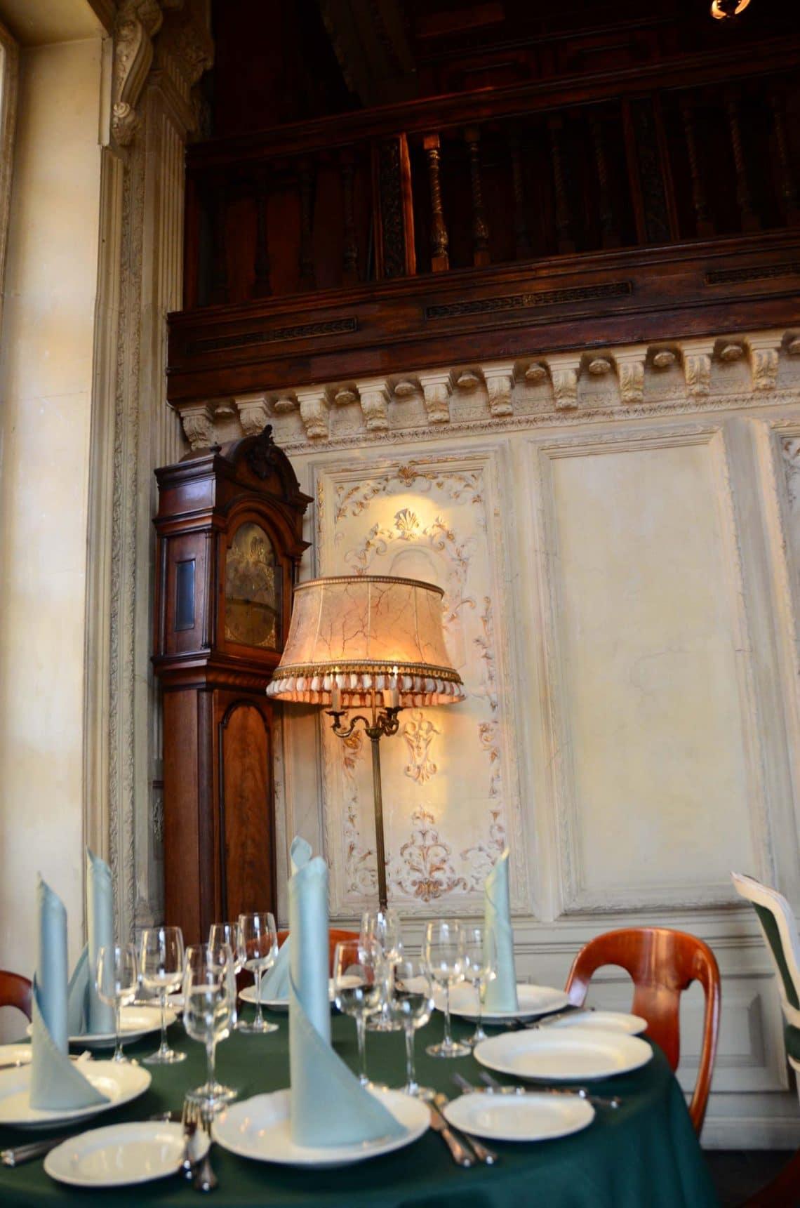 Table à la librairie Café Pushkin