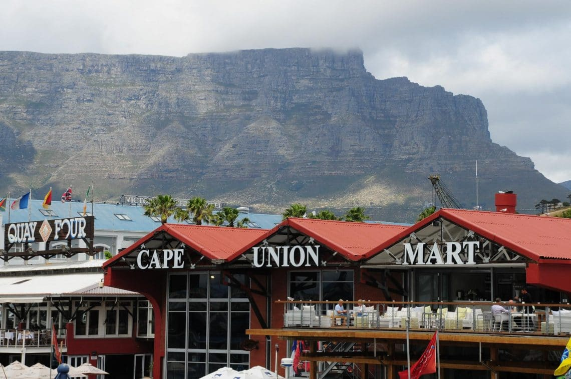 Cabanes et Table Mountain