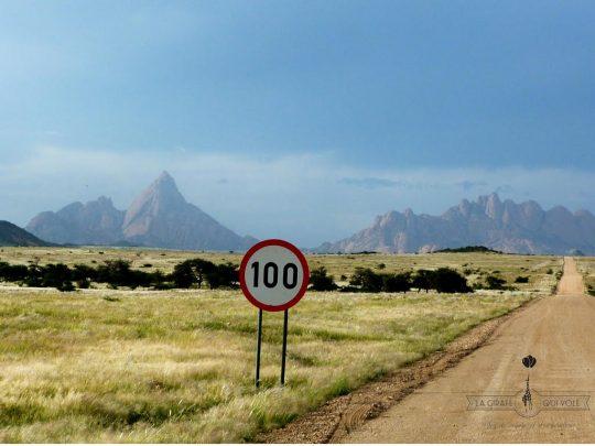 Spitzkoppe & Twyfelfontein en Namibie par Marlène du blog La Girafe qui Vole